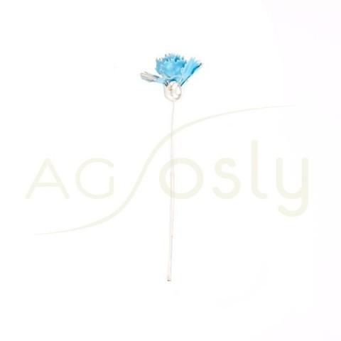Flor clavel de plata y esmalte en azul.