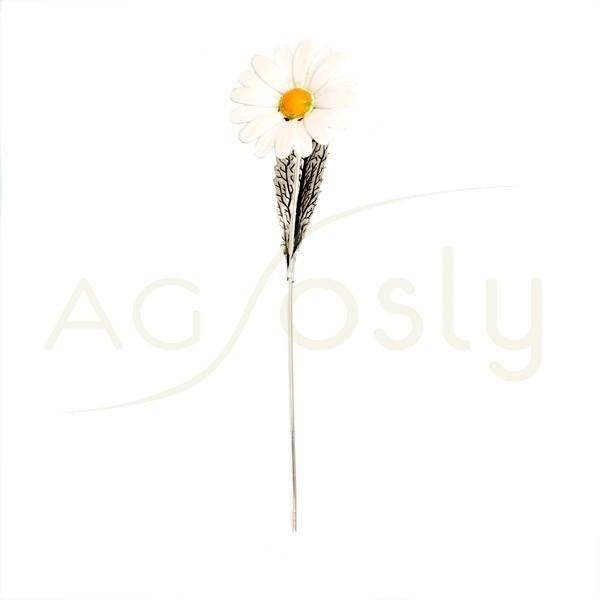 Flor margarita de plata y esmalte en blanco.
