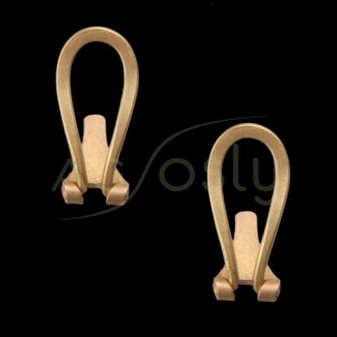 Cierre pendiente omega plano completo en oro.omega 15,3mm, talón 8,3mm