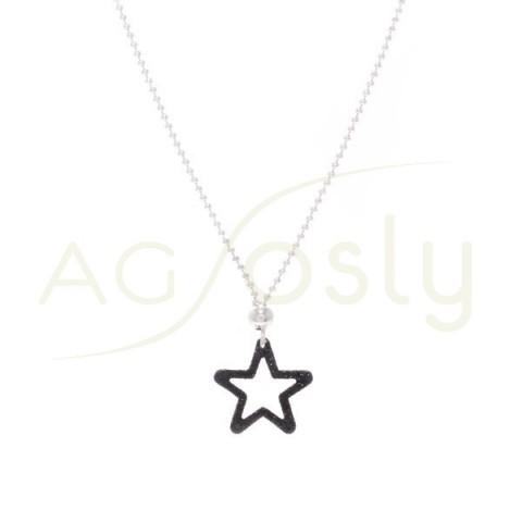 Collar plata de cadena bolas y colgante estrella en purpurina negra.