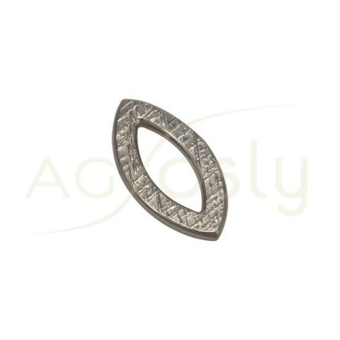 Pieza de montaje en plata con baño de rutenio, modelo rombo ovalado con textura.25,6mm
