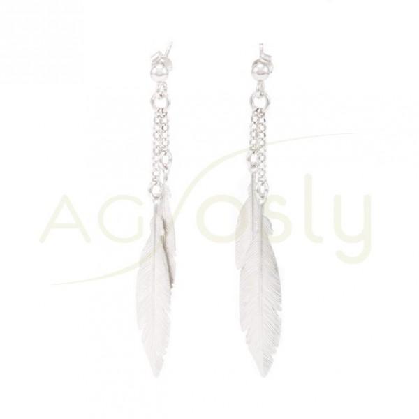 Pendiente plata plumas colgantes rodiada. 4cms largo.