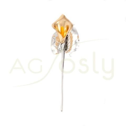 Flor lirio de plata dorada.