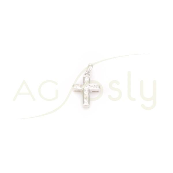 Colgante cruz de plata con circonitas.