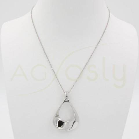 Collar de plata con colgante