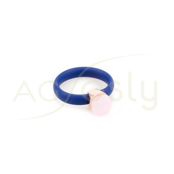 Anillo plata rosa con brazo de caucho azul y piedra rosa con circonitas