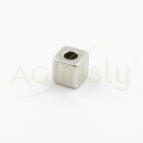 Cubo de plata de 3x3 con agujero de 2mm