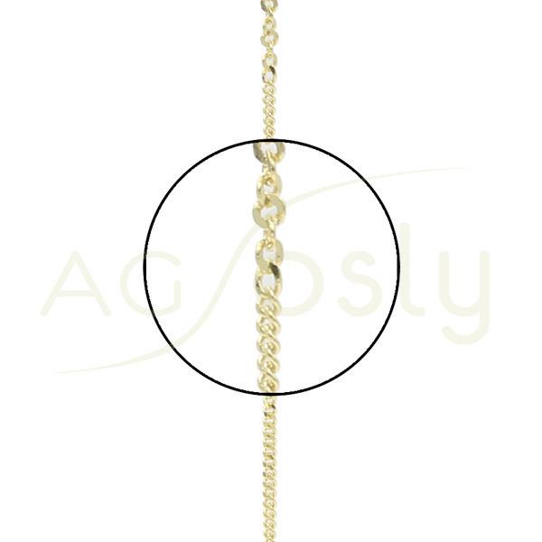Cadena de oro amarillo con eslabones de diferentes tamaños. Montada en 40cm