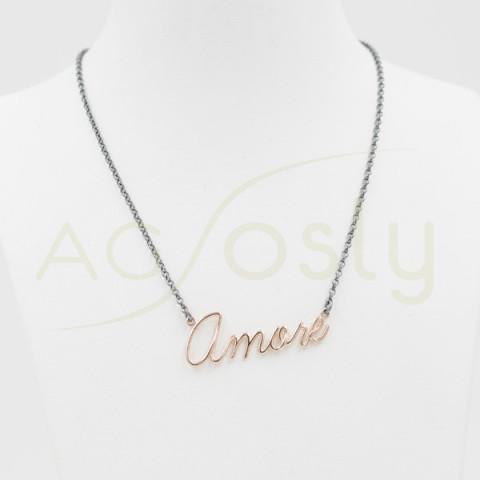 Collar de plata con inscripción AMORE