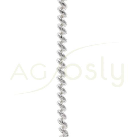 Collar de plata con forma de serpentina