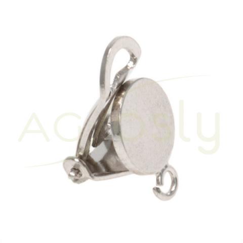 Base pendiente con base redonda de 8mm, cierre clip y anilla.